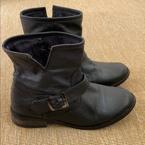 Mia black leather boots